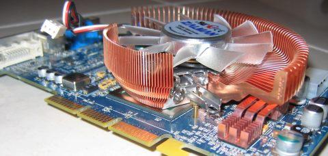 3D Prophet 9800Pro avec son VF700-CU
